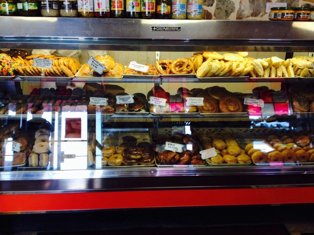 Superior Home Bakery - 10 foto - Deli - 438 Great Northern ...