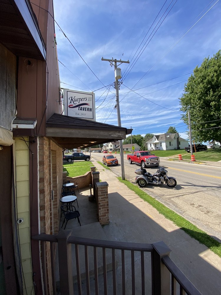 Kuepers III - Dickeyville: 225 W Main St, Dickeyville, WI