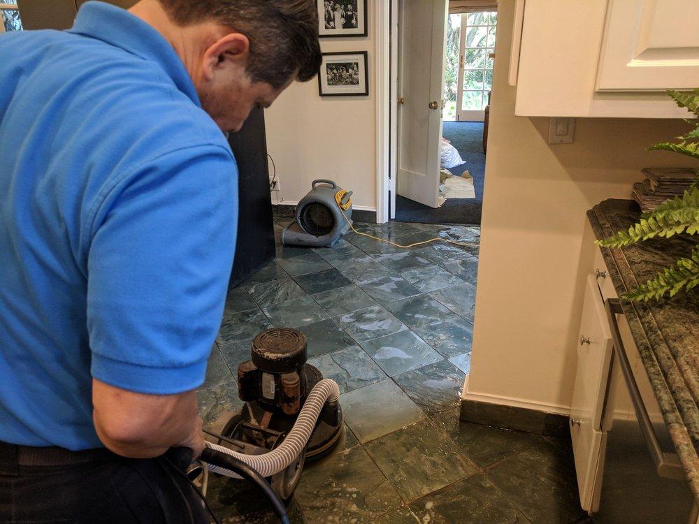 Oscar Andrew Carpet & Upholstery Cleaning: 360 W Terrace St, Altadena, CA