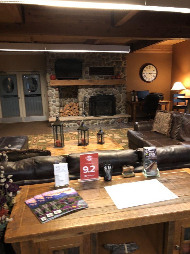 C'mon Inn: 2020 Overland Ave, Billings, MT