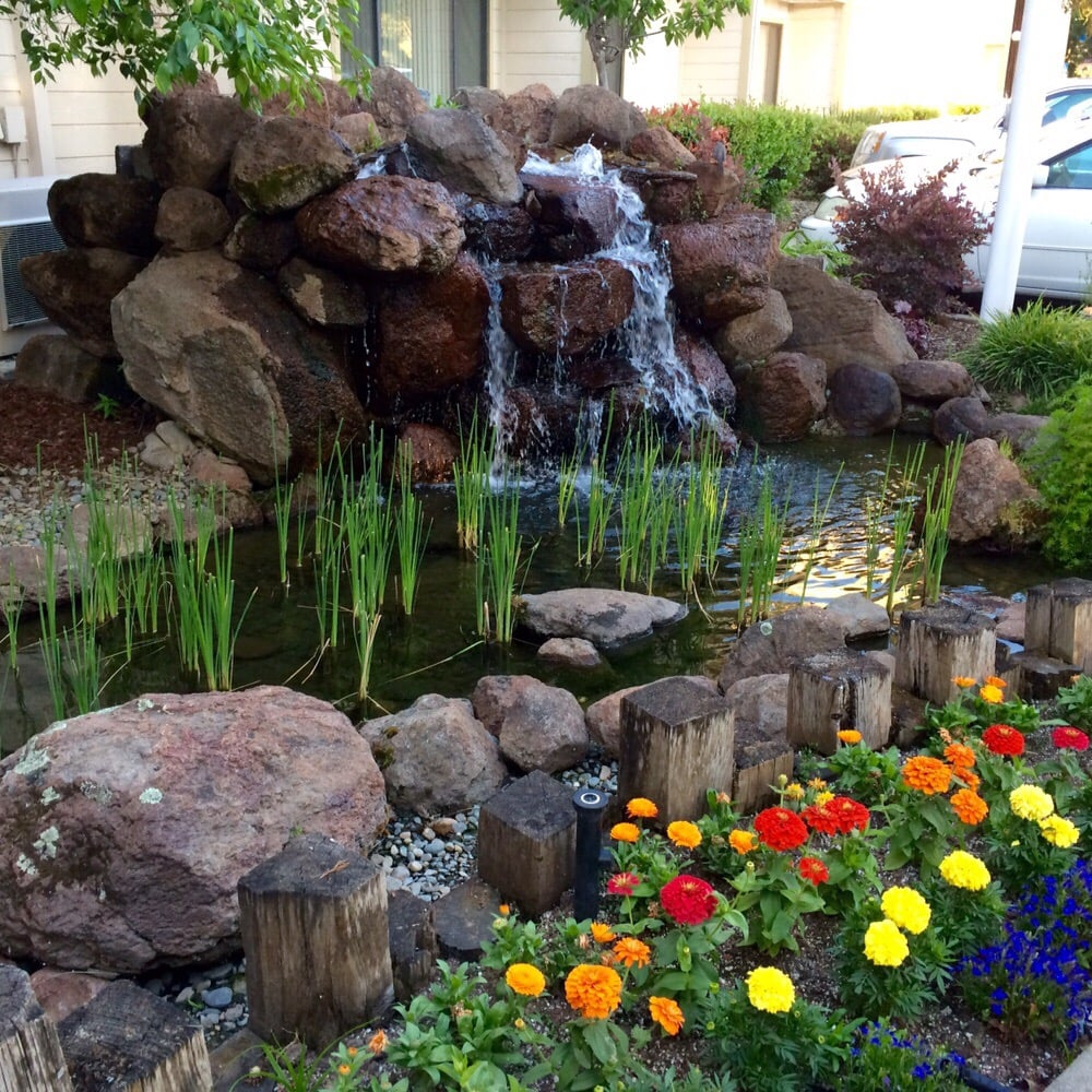 Water Feature By The Hotel Entrance