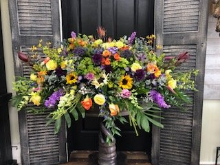 Petri's Floral & Boutique: 229 Fairfield Ave, Bellevue, KY