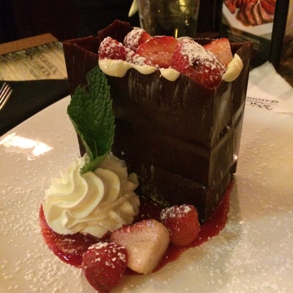 612110d2206 This chocolate bag is the most romantic desert on the plaza. Don't ...