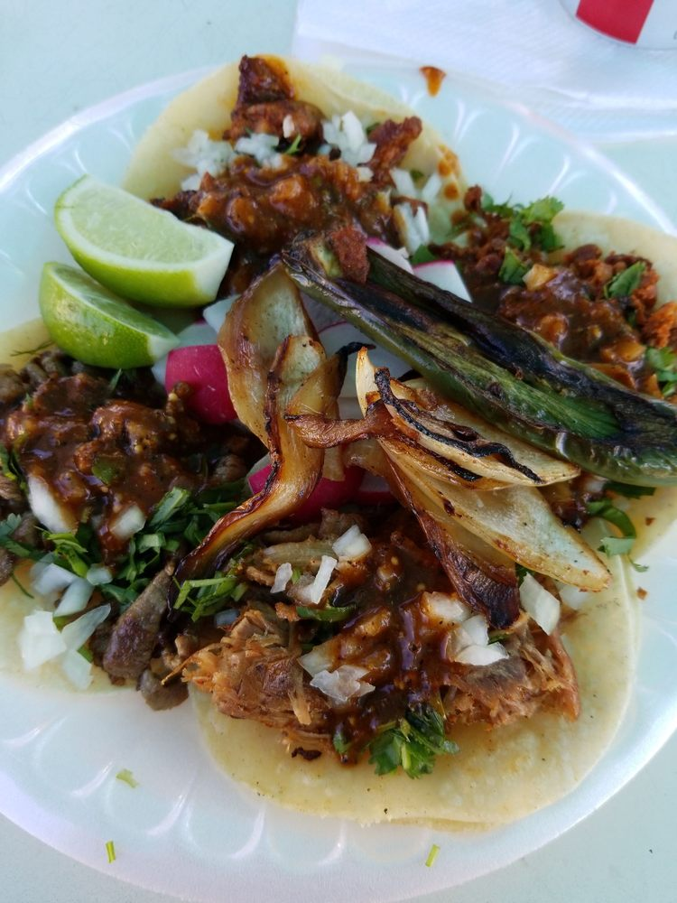 Tacos Correa: Farmington, CA