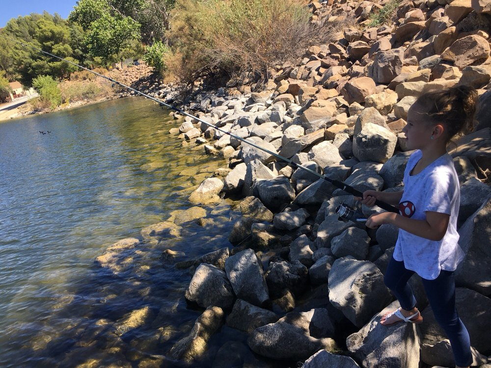 Big rocks shore fishing yelp for Castaic lake fishing
