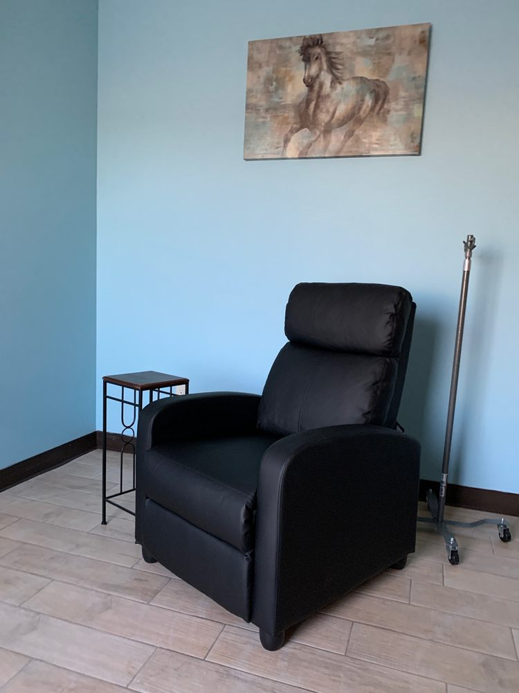 Vital Wellness Clinic: 4001 Commercial Center Dr, Marion, AR