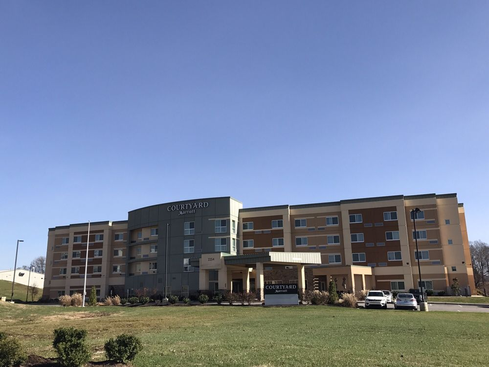 Courtyard By Marriot: 2254 South Hwy 27, Somerset, KY