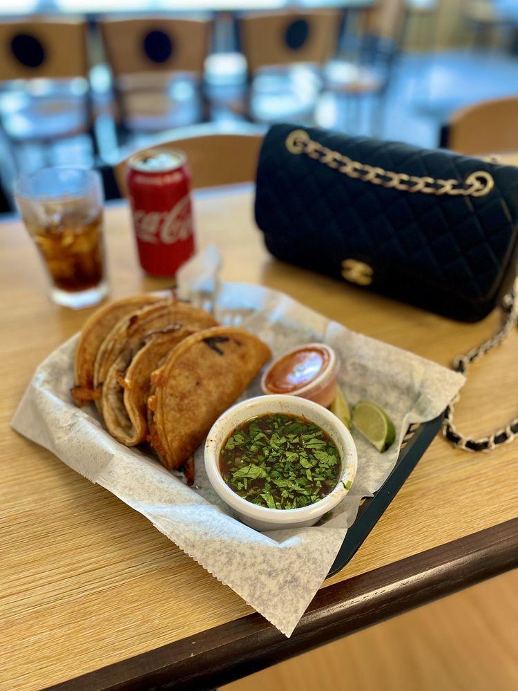 Diamonds - American Diner: 201 N Washington St, Green Bay, WI