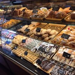 Oreo Cake Mias Bakery