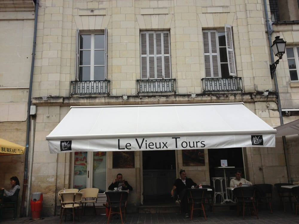 Au vieux tours bars 4 place plumereau tours france phone