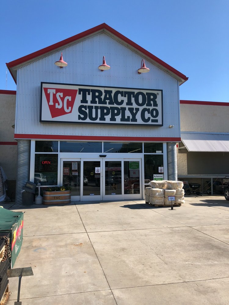 Tractor Supply Company: 4765 N Hwy 17, Awendaw, SC
