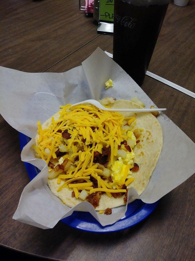 Tnt Restaurant Tacos-N Tamales: 908 E Rio Grande St, Victoria, TX