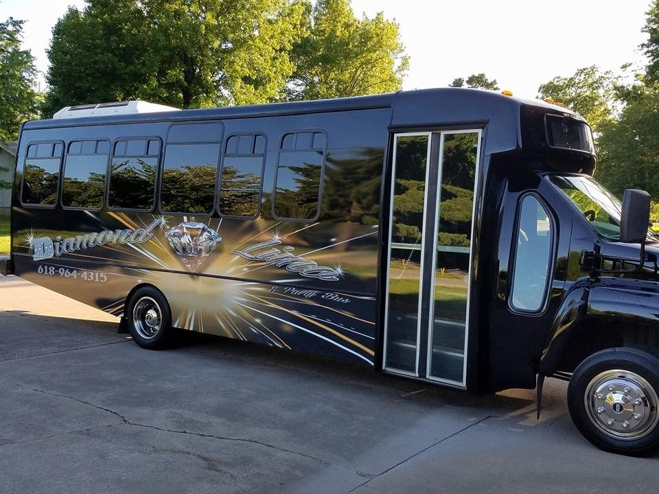 Diamond Limo and Party Bus: 1300 North 8th St, Herrin, IL