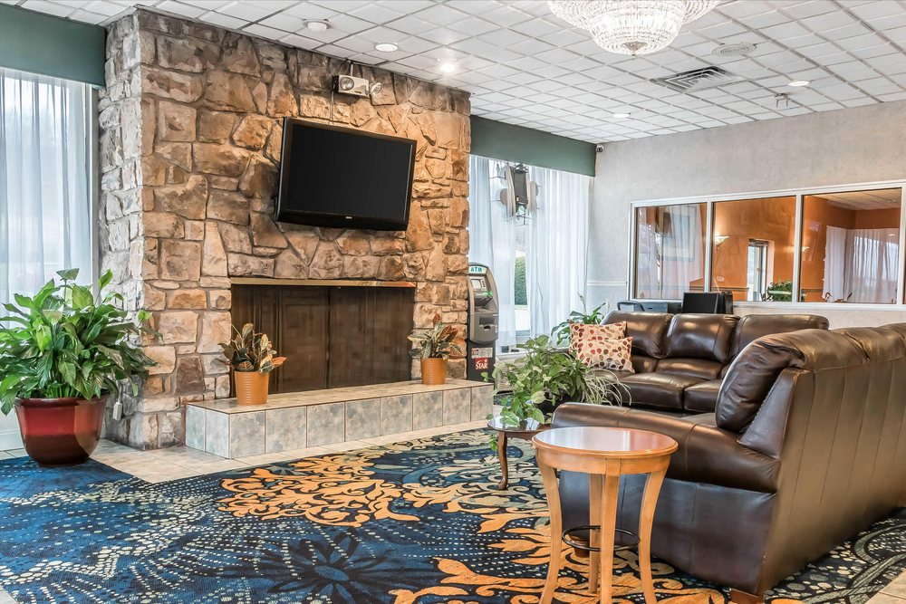 Quality Inn: 971 N Eagle Valley Rd, Milesburg, PA