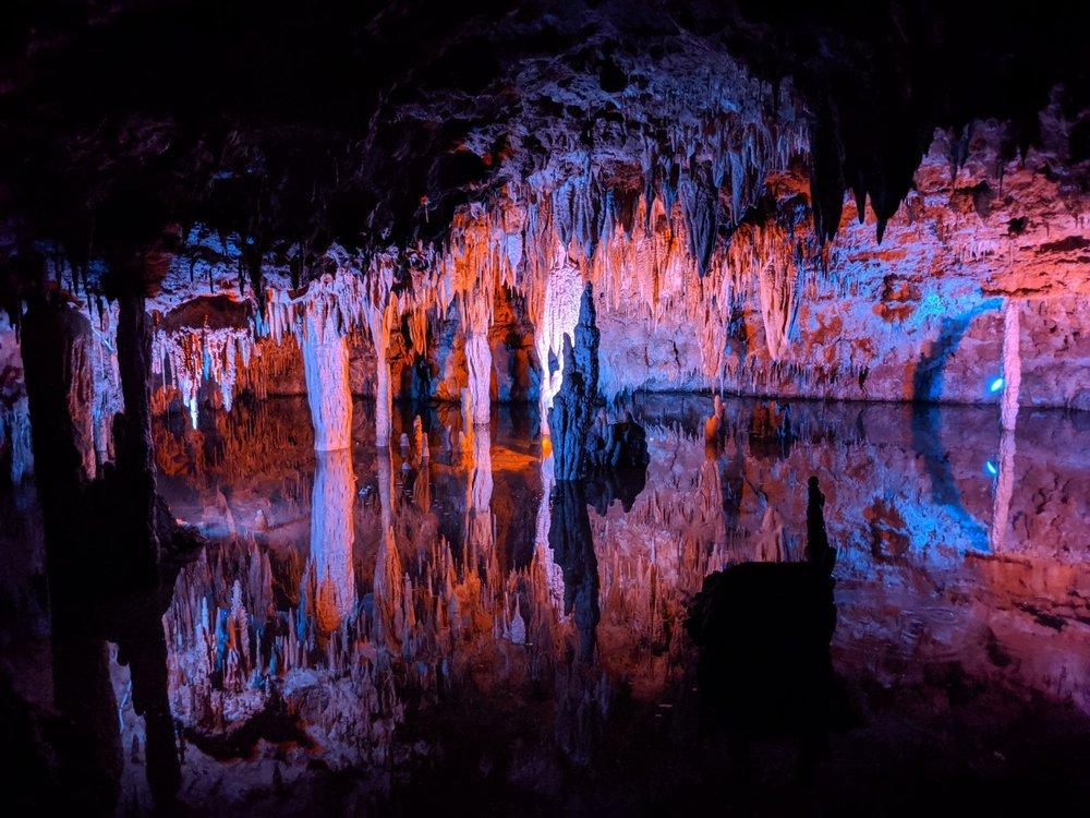 Meramec Caverns: 1135 Hwy W, Sullivan, MO