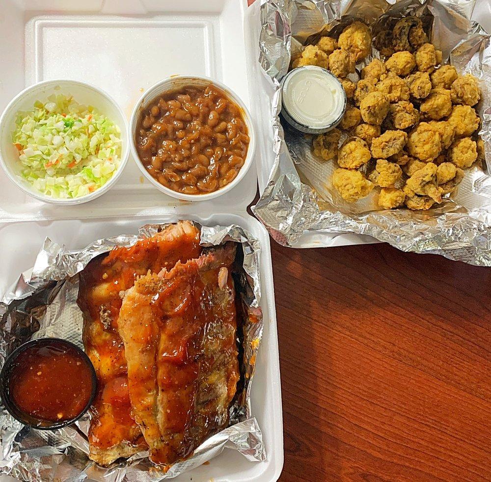 Michael's Casual Dining: 862 Hwy 411 N, Etowah, TN