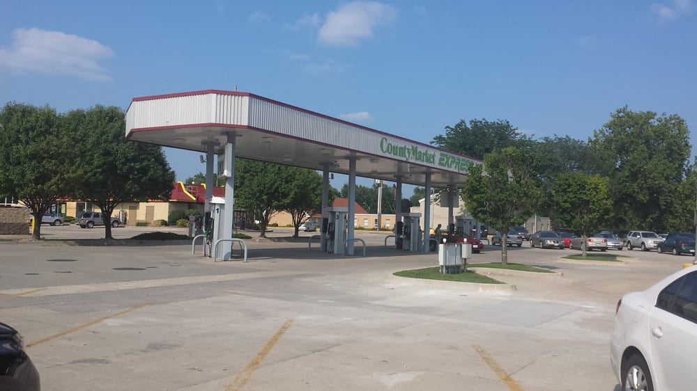 County Market: 2901 W Kirby Ave, Champaign, IL