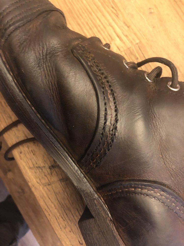Vallee's Shoe Service: 184 West St, Bristol, CT
