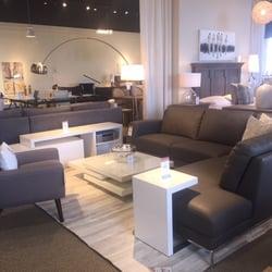 Structube furniture stores m ga centre notre dame for Mobilia vs structube