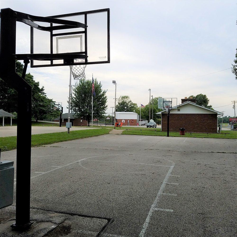 Bloomfield City Park: 601 W Main St, Bloomfield, IN