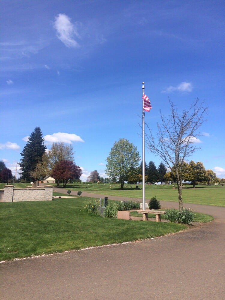 West Lawn Memorial Park & Funeral Home | 225 S Danebo Ave, Eugene, OR, 97402 | +1 (541) 342-8281