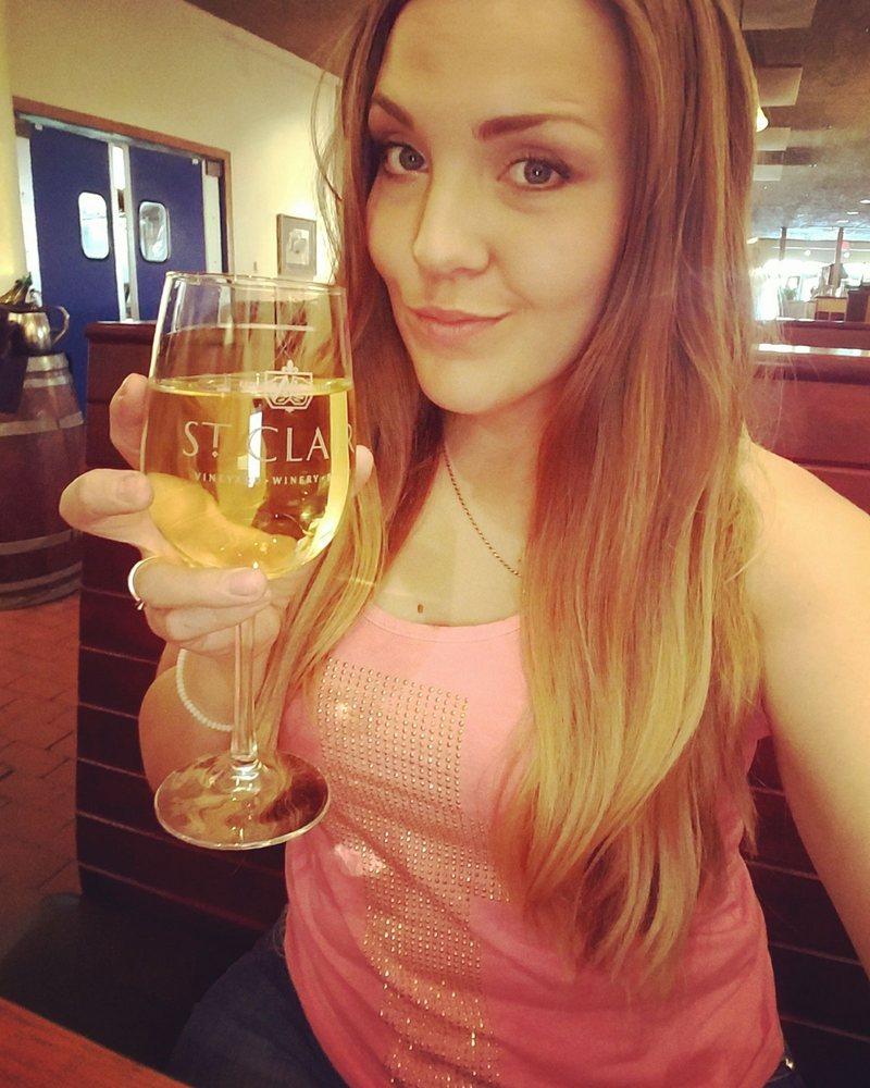 D H Lescombes Winery & Bistro