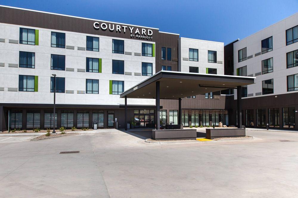 Courtyard by Marriott Rapid City: 580 WaTiki Way, Box Elder, SD