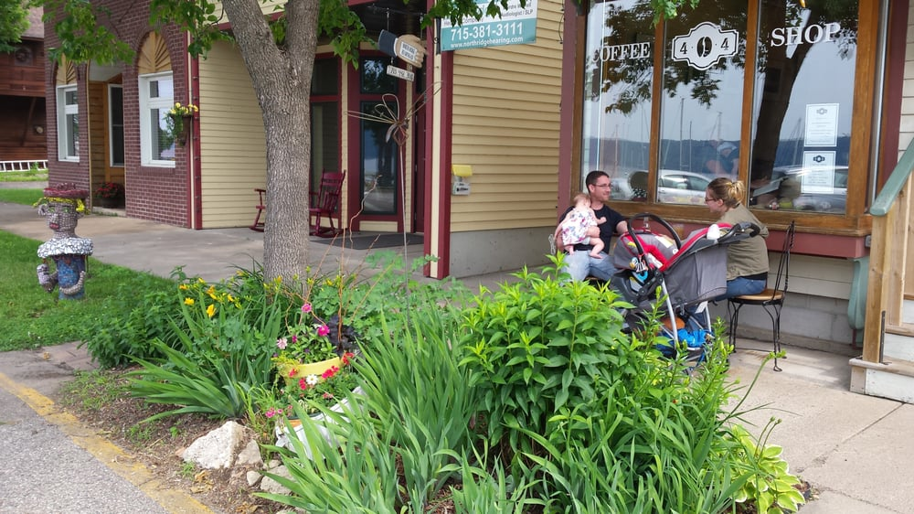 The 404 Coffee Shop: 404 1st St, Pepin, WI