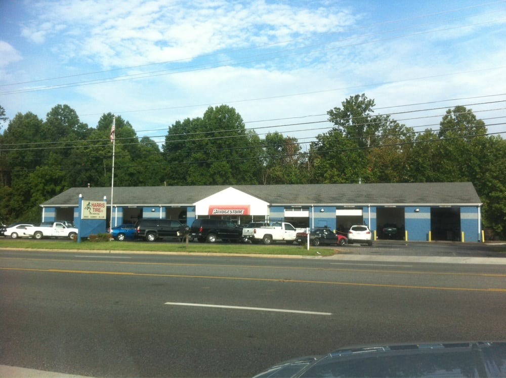 Harris Tire Company: 18180 Forest Rd, Forest, VA
