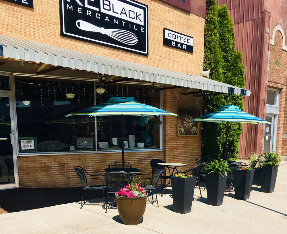 KE Black Mercantile: 307 Main St, Dysart, IA