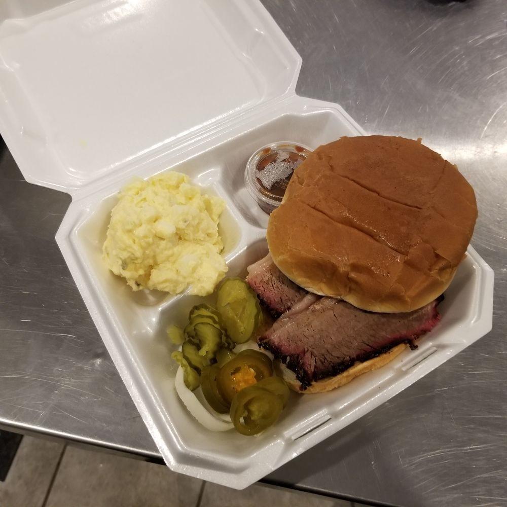 R.L. Harris BBQ: 305 S Interstate 35 East Service Rd, Red Oak, TX