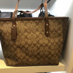 Coach Outlet - 48 Photos   131 Reviews - Leather Goods - 354 Nut ... 746fd53dff2e9