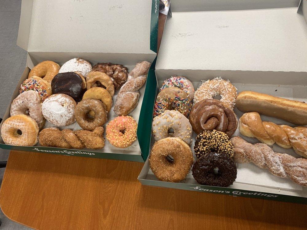 Winchell's Donut House: 1205 W Pawnee St, Wichita, KS