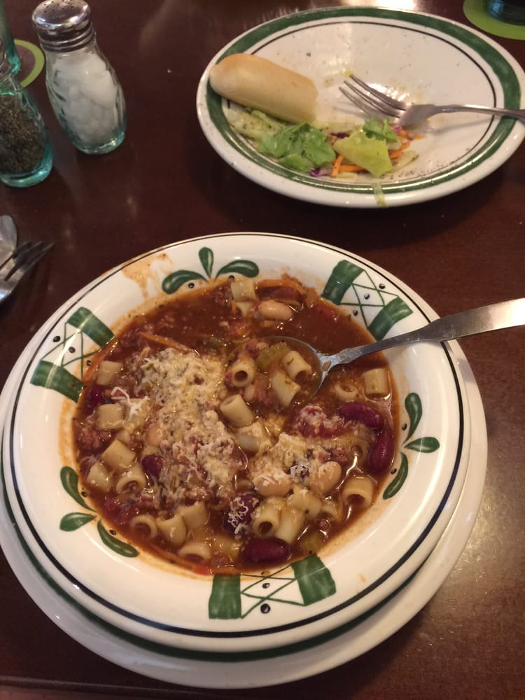 Endless soup salad and breadsticks yelp for Soup salad and breadsticks olive garden