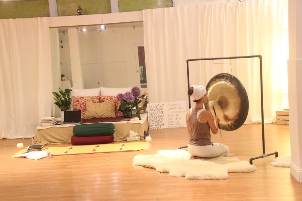 Shanti Naam Yoga & Wellness: 2881 Castro Valley Blvd, Castro Valley, CA