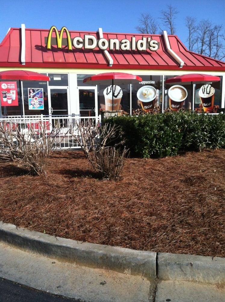 McDonald's: 520 N Main St, Hiawassee, GA
