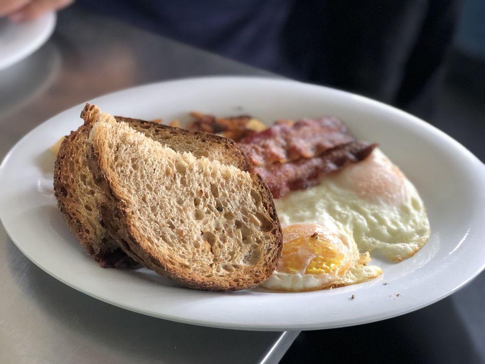 Snorkels Cafe & Bistro: 3300 E Ski Hill Rd, Alta, WY