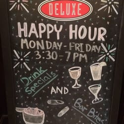 Cafe Deluxe Tysons Hours
