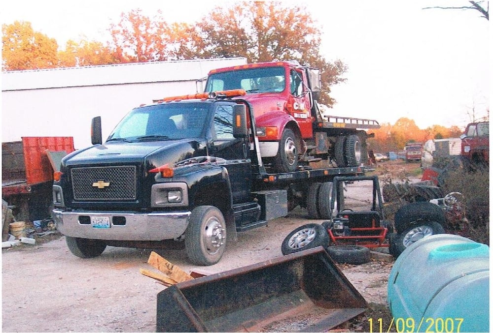 C & H Tow and Recovery: 7825 SE 575th Rd, Collins, MO