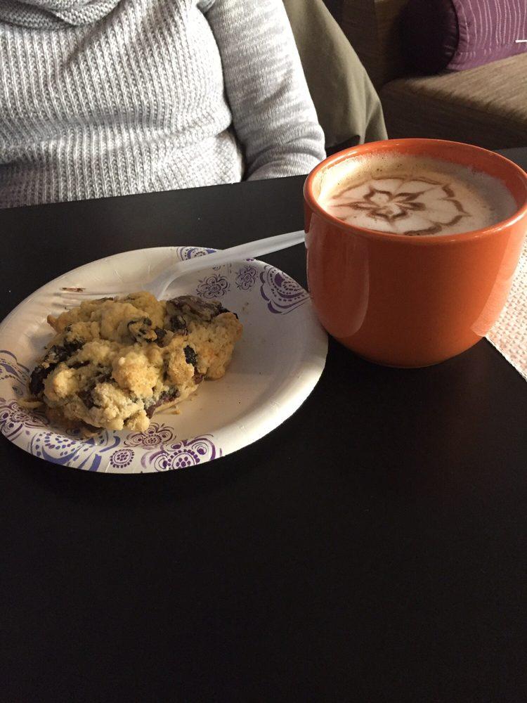 MoonJava Cafe: 56 Harvester Ave, Batavia, NY