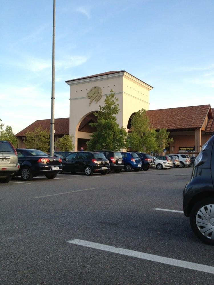 Photo Of Consorzio Centro Commerciale Il Leone Shopping Center   Lonato,  Brescia, Italy