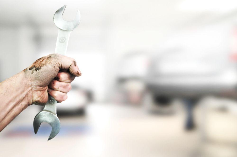 Multifixitman's Auto Repair: 22700 Fast Ct, Bakersfield, CA