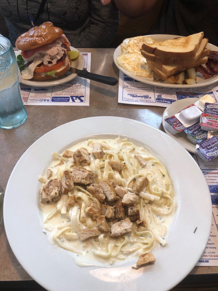 Greg & Lou's Family Restaurant: 1460 N M 52, Owosso, MI