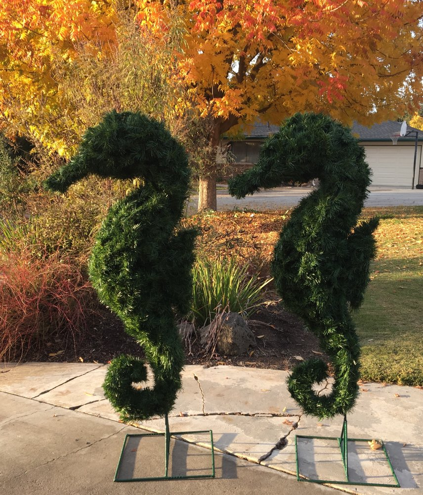 Cliff Finch's Topiary Zoo