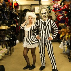 Halloween Duo Costumes 2019.Monsters Rip Halloween 2019 All You Need To Know Before
