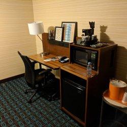 Fairfield Inn By Marriott - 82 Photos & 72 Reviews - Hotels - 525 N