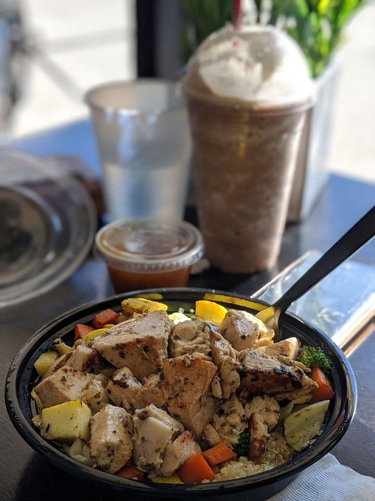 Mango Twist Deli & Fruit Bar: 8575 Los Coches Rd, El Cajon, CA