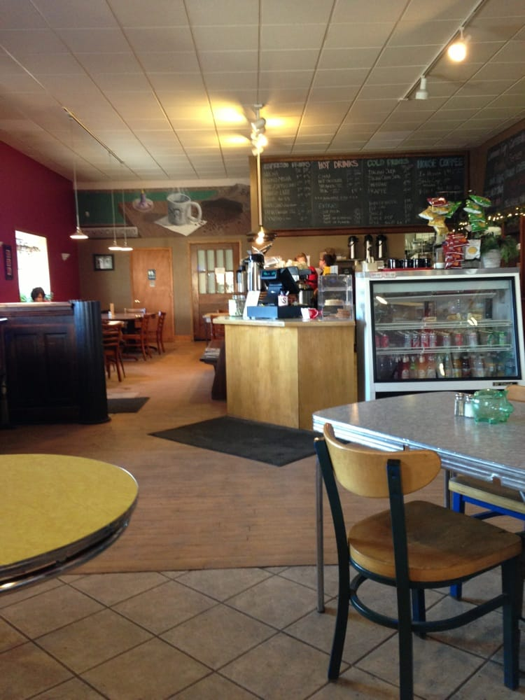 Common Cup Coffeehouse: 501 Atlantic Ave, Morris, MN