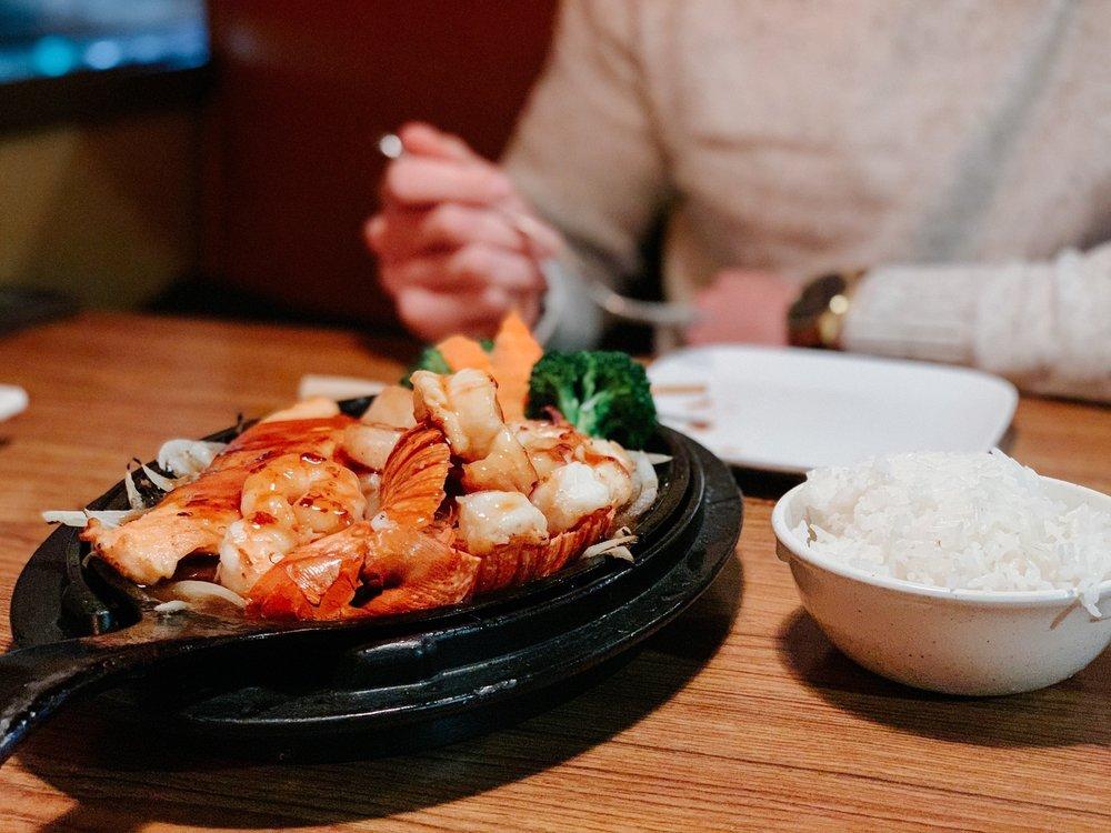 Sakura Japanese Restaurant: 1071 Wayne Ave, Chambersburg, PA