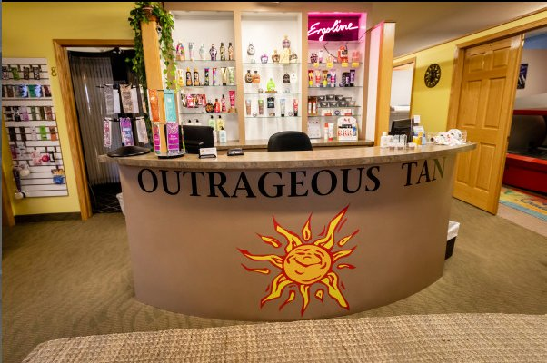 Outrageous Tan: 26589 Forest Blvd, Wyoming, MN